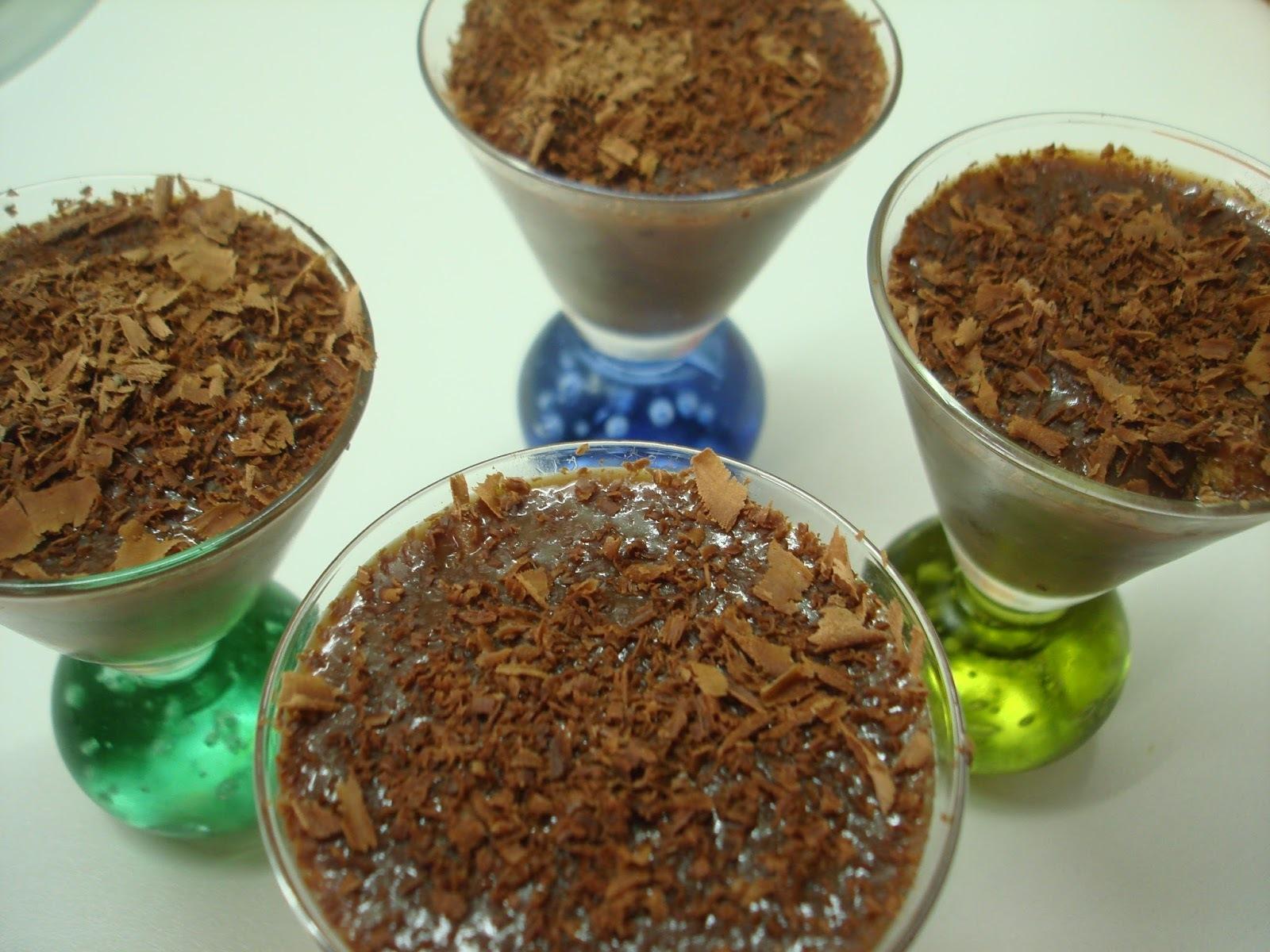 Brigadeiro Cremoso com raspas de Chocolate: muito fácil de fazer e de agradar!