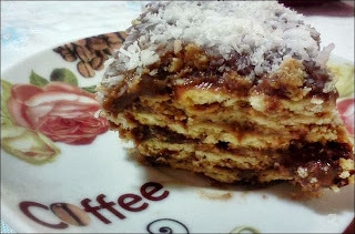 Torta de bolacha com café da Aline