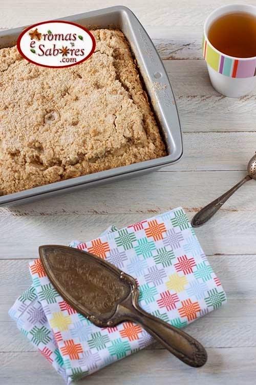 Bolo simples com farofa crocante - tea cake