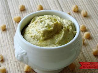 pasta de alho para comer com pao arabe
