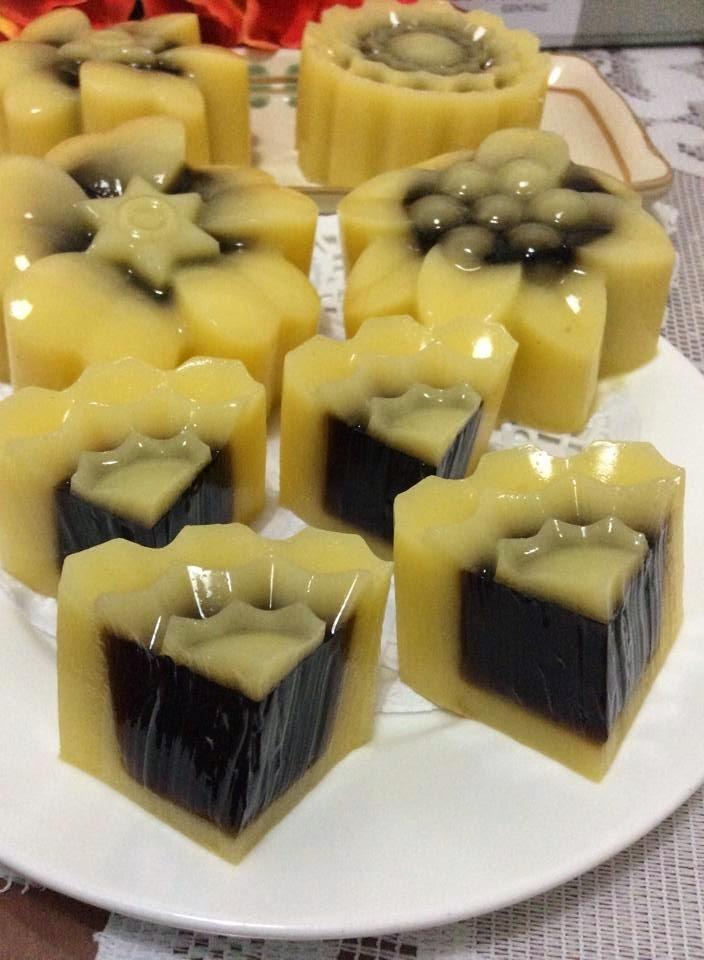 ~~    Manggo Cincao & Manggo Yoghurt Jelly MoonCake  ~~~     芒果仙草 & 芒果乳酸燕菜月饼   ~~~