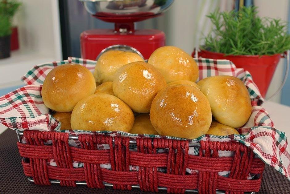 Pão de Batata Recheado com Presunto, Queijo e Tomate Seco