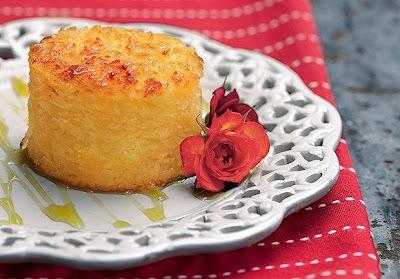 Aprenda a fazer um delicioso bolo de macaxeira