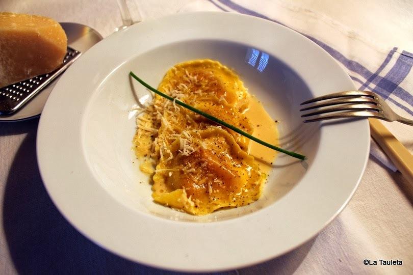 Raviolis rellenos de Queso de Cabra y Cebolla Caramelizada