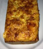 Torta de jamón, queso y morrón