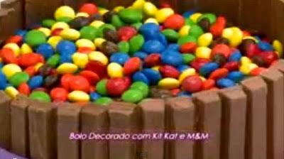 Aprenda a fazer Bolo Kit Kat com M&M!!