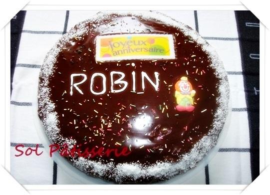 como escrever em cima do bolo com chocolate em calda