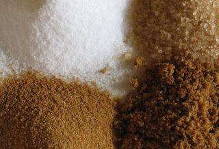 Diferentes tipos de açúcar.