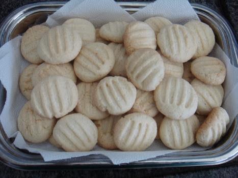 como fazer biscoitos com farinha de trigo sem fermento