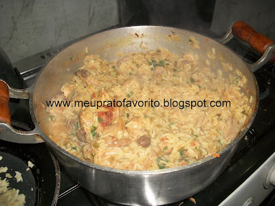 de galinhada com arroz soltinho