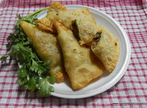 Perfect Aaloo and Beef Samosas Naz's Style