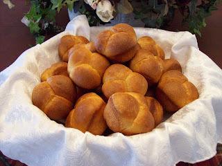 Pan trebol de naranja y anís