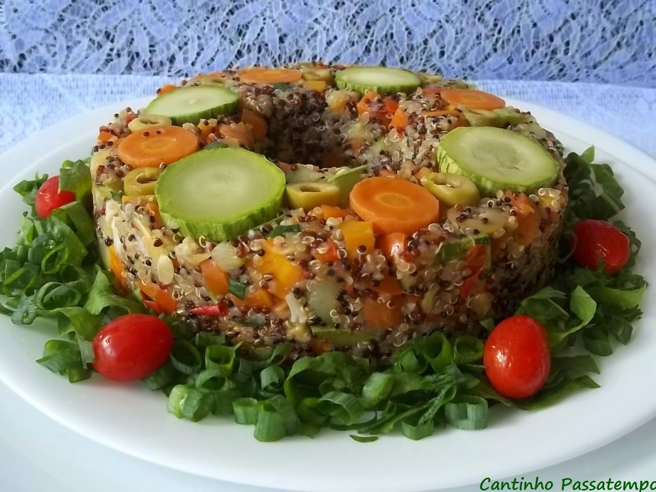 Cuscuz de quinoa e legumes