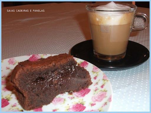 Cupcake de chocolate e minha batedeira nova