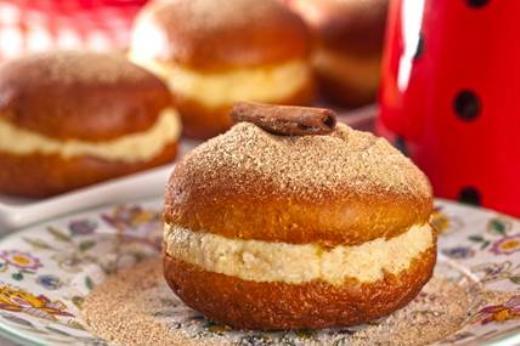 Sonho de Café Recheado com Creme de Coco receita
