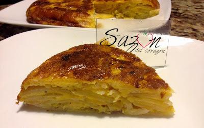 Tortilla de huevo con papas y cebolla