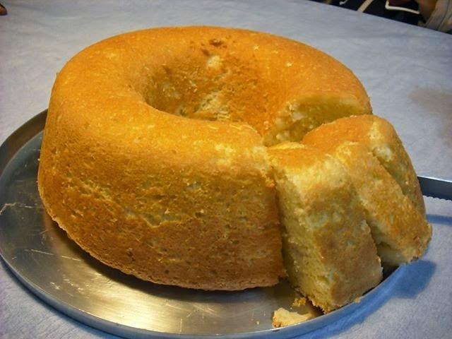de bolo de mandioca com massa pronta