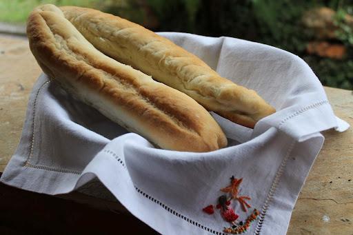 bolo pão velho assado no forno