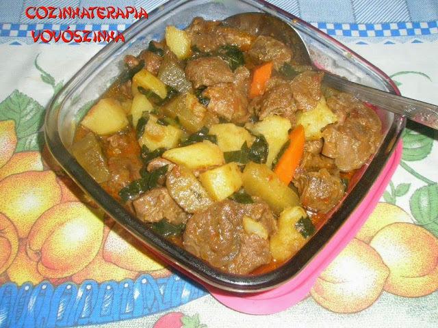Carne de panela e legumes com ora pro nóbis