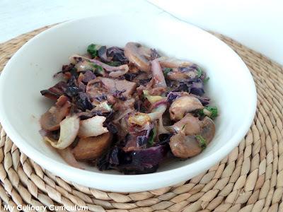 Poêlée de chou rouge, choudou et champignons (Sautéed red cabbage, mushrooms and choudou)