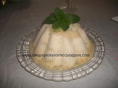 Torta de limão com sorvete  Continuação do almoço de Páscoa