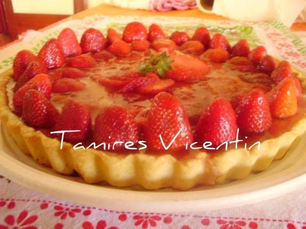 Torta de morango espelhada: receita enviada pela Tamires Vicentin