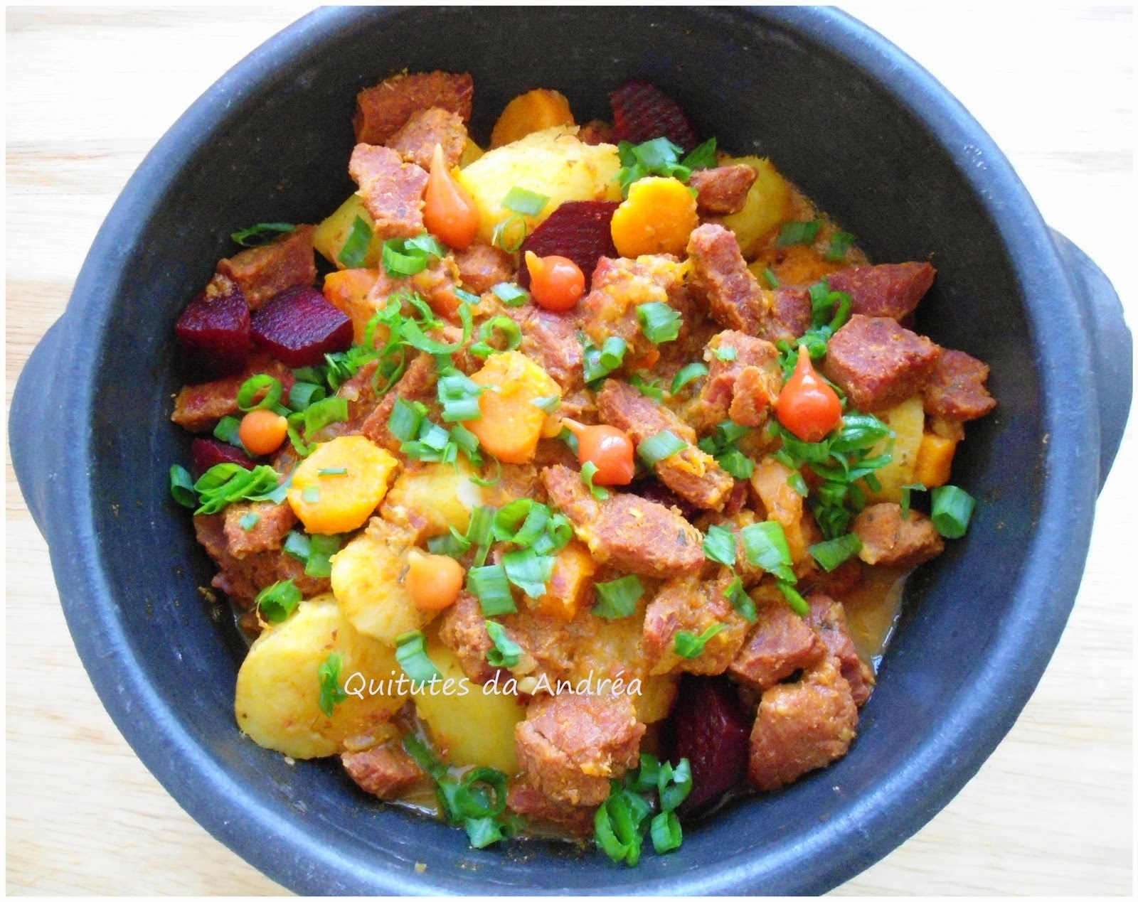 salada com batata cenoura chuchu e brocolis