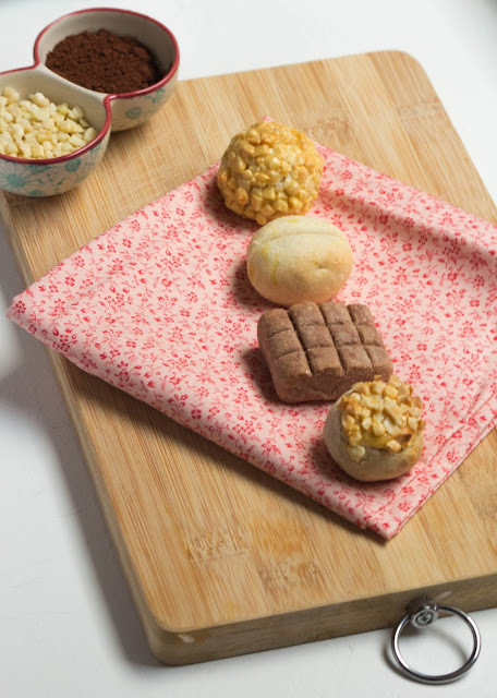 Panellets d'ametlla, canyella, xocolata i llimona