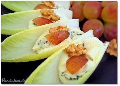 Salada de Endívia, Gorgonzola, Uvas e Nozes