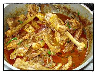 acompanhamento galinha caipira cozida