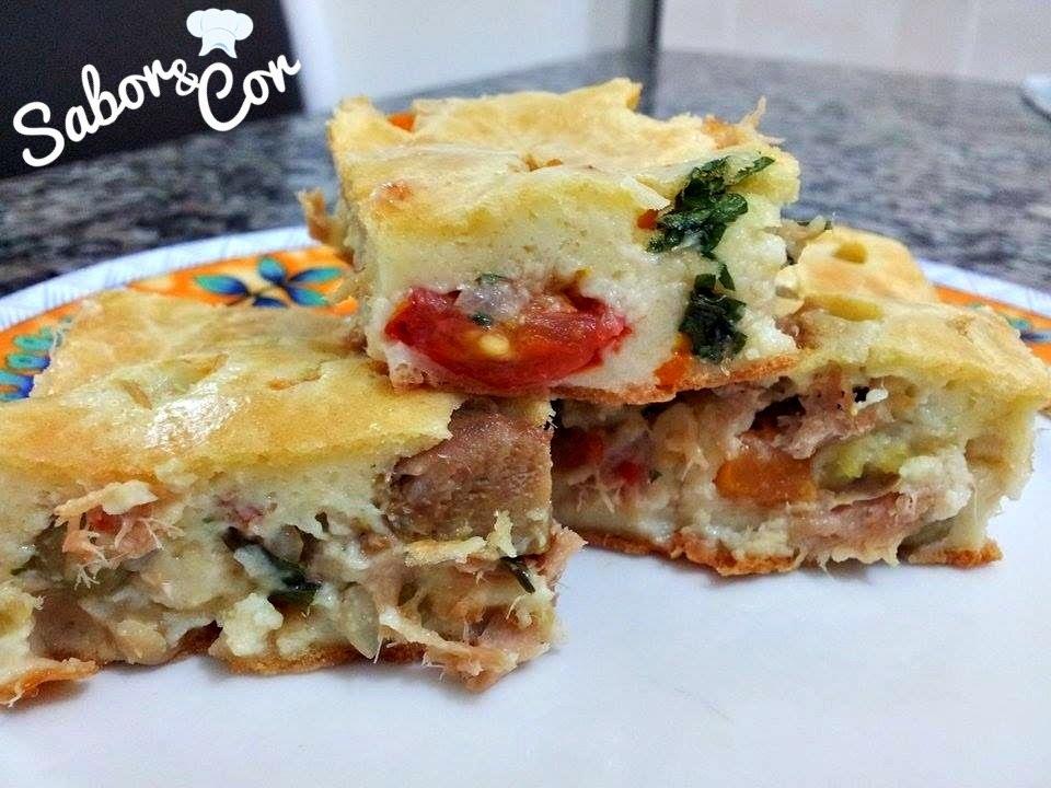 Torta de Atum com Tomate Cereja, Azeitonas, Ervilhas e Cenoura