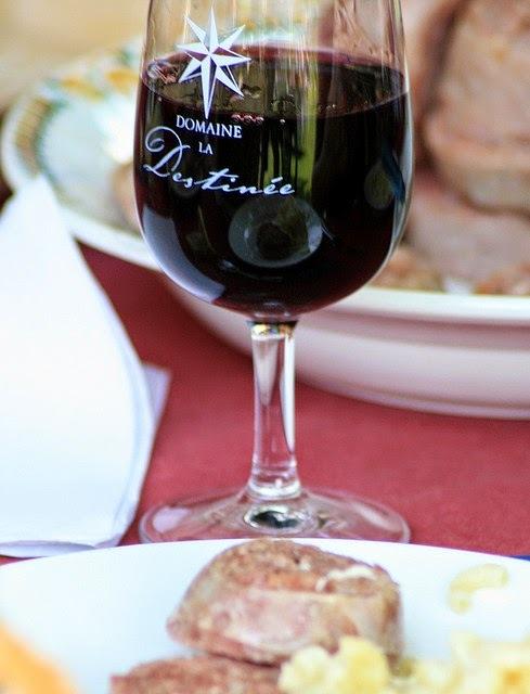 La bonne cuisine des vendanges en Beaujolais, ses banquets de fête : revole, pelée