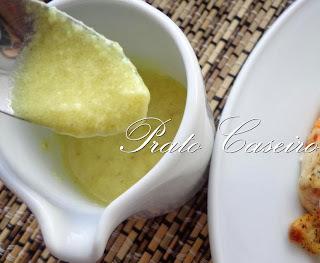 Molho de queijo e mostarda