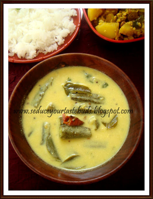 Bhinda Ni Kadhi |Gujarati Kadhi with Ladies Finger