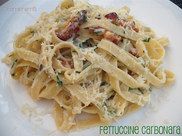 Fettuccine alla carbonara em homenagem ao dia do macarrão!