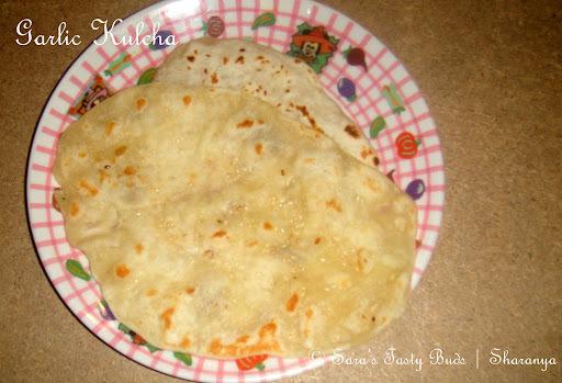 Garlic kulcha / Garlic flavoured Indian Flat Bread