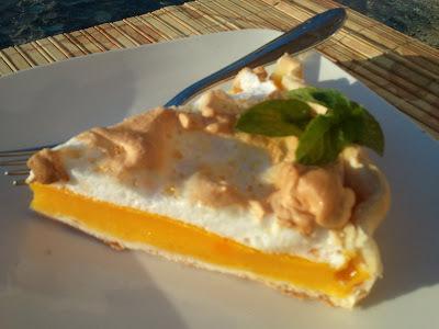 Grapefruit meringue pie  (Pie de Pomelo)