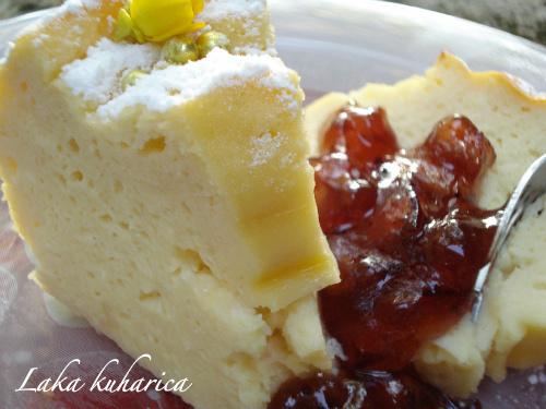 Jednostavni kolač sa svježim sirom