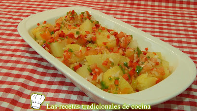 Receta fácil de ensalada de patatas con vinagreta de verduras
