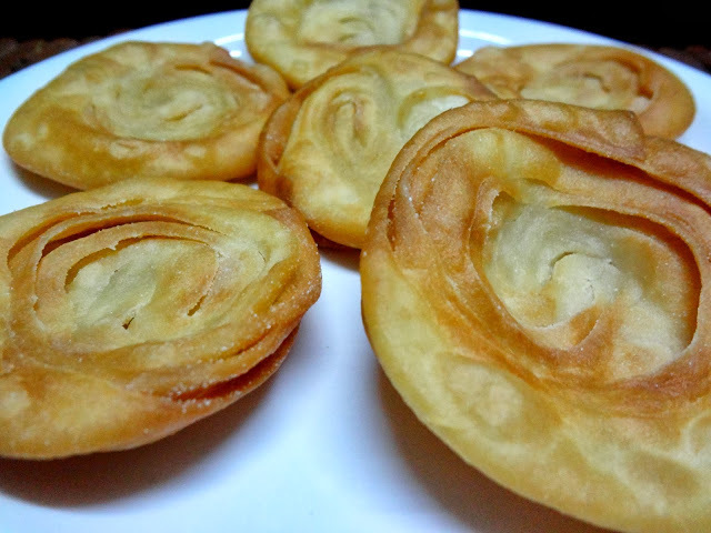 Chiroti / Phenori / Pathir Pheni . For Diwali ....A Delightfully flaky layered pastry from Karnataka
