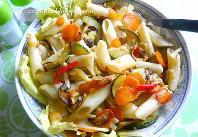 tjestenina sa povrćem i vrhnjem