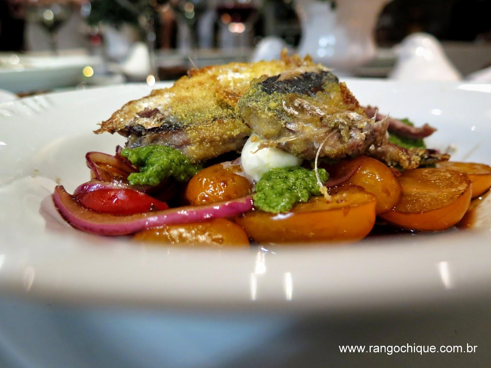 Salada Caprese com Sardinha