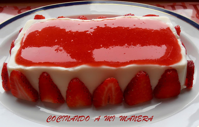 MOUSSE DE QUESO FRESCO Y FRESAS