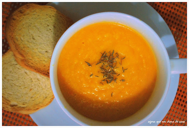 para o frio baiano (e de qualquer outro lugar): creme de cenoura com gengibre