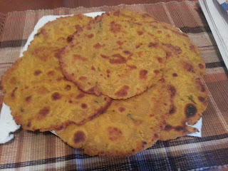 Missi Roti / Yellow Spilt Chickpea Bread