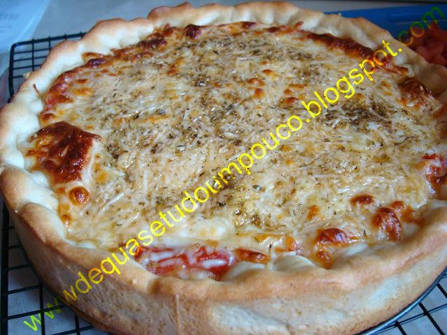 Pizza profunda ao estilo de Chicago