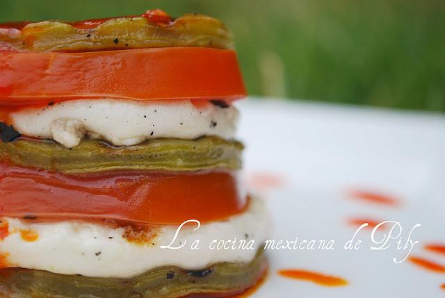 Menú mexicano  para una ocasión especial: timbal de queso sobre nopales con vinagreta de chile