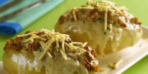 de batatas recheadas com frango queijo e batata palha