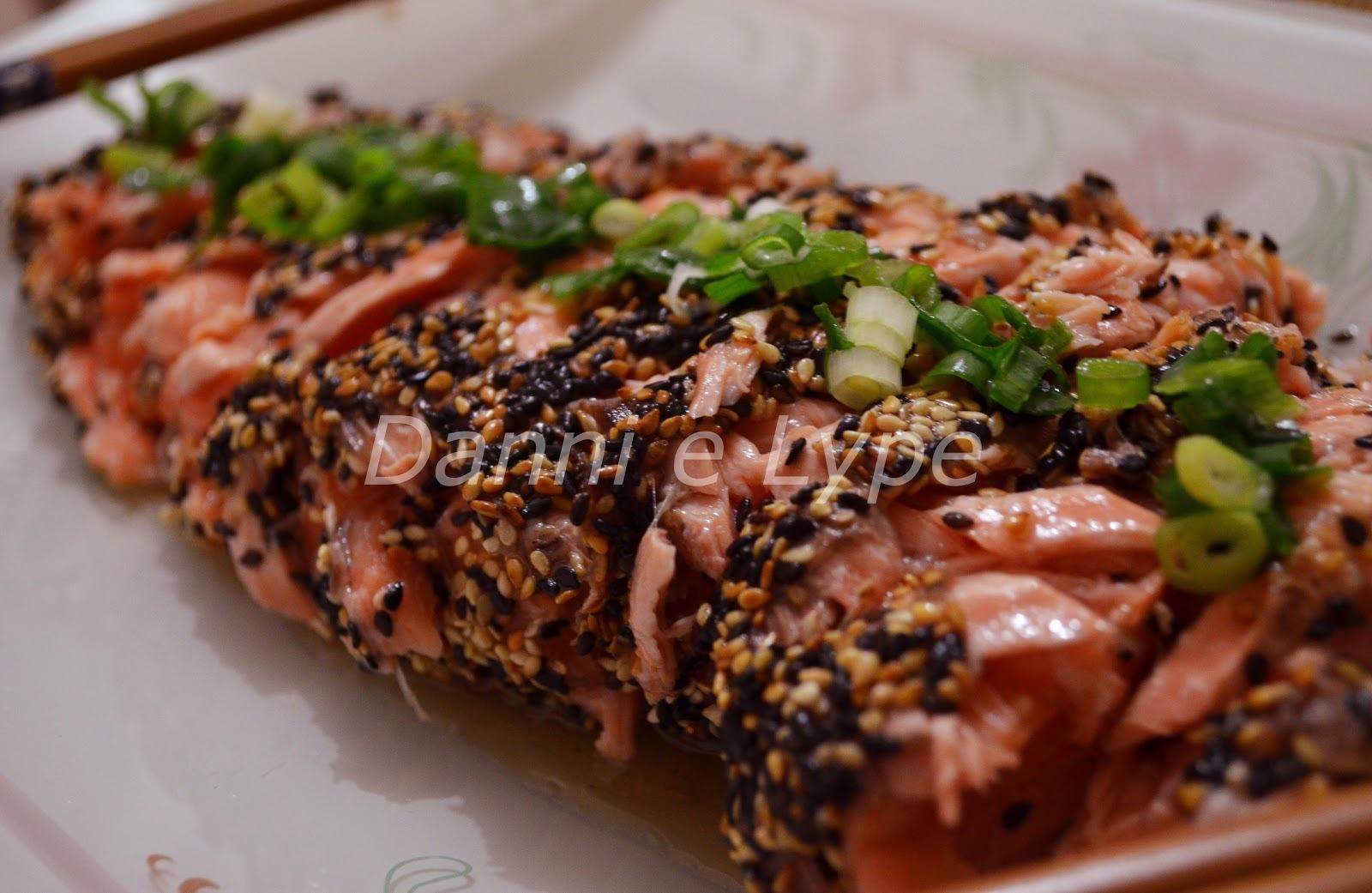 salada de salmão cru