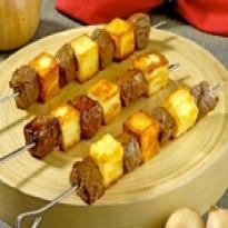 Espetinhos de Carne com Queijo